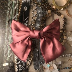Large bow hair clip in Rose